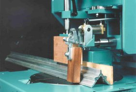 Pneumatic Horizontal Clamping Device (Optional)